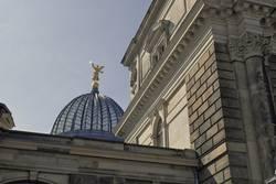 Dresden, Kunstakademie - Blick zur Fama auf der Zitronenpresse
