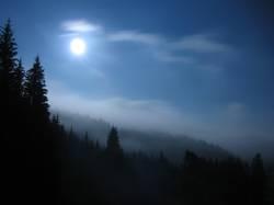 Dunkel war's der Mond schien helle...