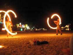 Fackeln am Strand