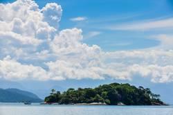 Tropical island close to Paraty, Green Coast, Brazil