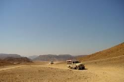 Jeep in der Wüste von Sinai (2)