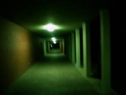 Gang im dunkeln