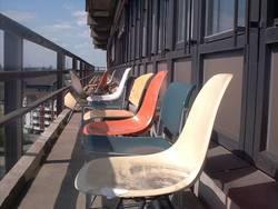 verlassene Stühle