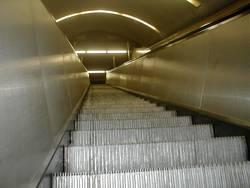 b:escalator:02