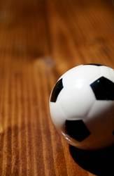 Der Ball ist rund und ..........