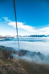 Seilbahn im Nebel