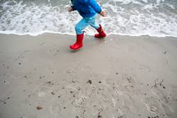 strand spiele ostsee gummistiefel kind