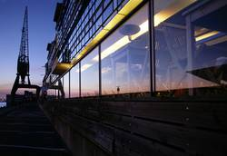 Spiegelung im Hafen