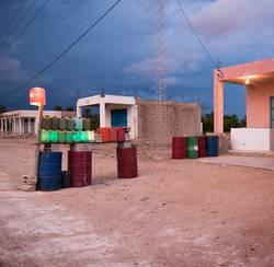 Letzte Tankstelle vor Grenze