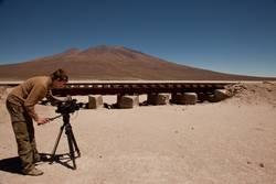 Kameramann in Wüste