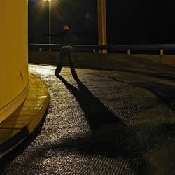 dark | to shadow