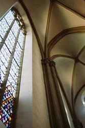 Buntes Glas wo Licht durchfällt