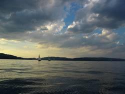 Himmel, Wasser und irgendwo noch ein Schiff