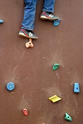 bergsteigen auf'm Spielplatz