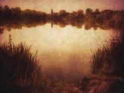 idyllischer See mit Retro Filter