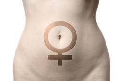 Bauch einer Frau mit Venussymbol