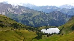 Blick auf den Seealpsee und Allgäuer Alpen
