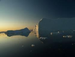 Eis auf Wasser