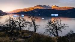 Lago Grey bei Sonnenaufgang