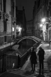 Nachts sind alle Brücken grau