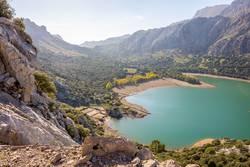 Gorg Blau auf Mallorca Stausee Trinkwasser