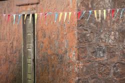 Wimpel an Wand