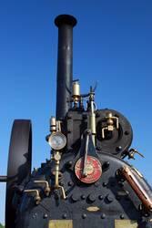 Dampftraktor / Lokomobile