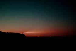 Nachthimmel über St. Peter-Ording mit Böhler Leuchtturm