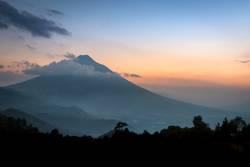 Sonnenuntergang am Vulkan Agua in Guatemala