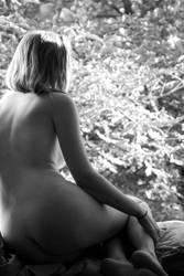 Frau im Fenster (1)