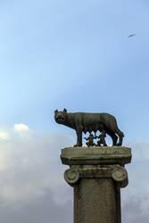 Wölfin säugt Romulus und Remus