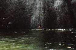 Bad unterm Wasserfall
