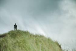 John auf dem Hügel
