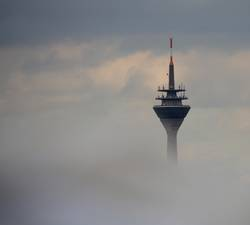 Funkturm über den Wolken?