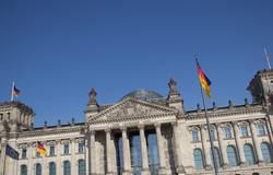 Reichstag schief