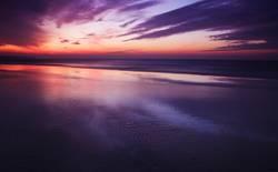 Perfekter Sonnenuntergang am Meer