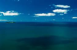 die Insel ( ganz links !! )