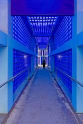 Blauer Bahnhofspassage