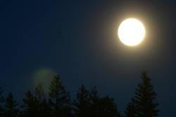 coast mountains moon light1