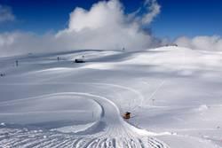 verschneite Schnellstrasse