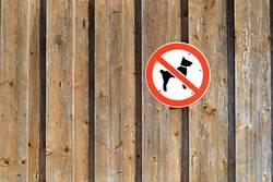 Hier bitte keine Hunde!!