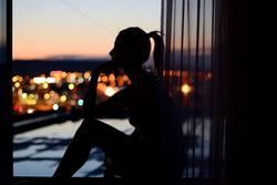 Der Denker vom Dach