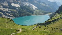 Öschinensee oberhalb von Kandersteg in der Schweiz