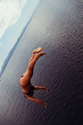 Handstand auf dem Meer