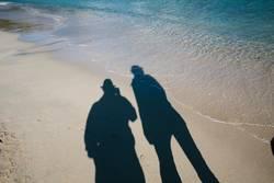 Schattenspiel am Meer