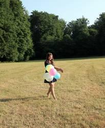 Mädchen mit Luftballons 2