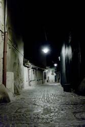 Transsylvanische Gasse bei Nacht