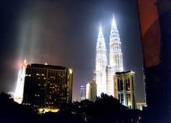 Petronas Towers bei Nacht (2)