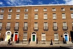 Häuserfront in Dublin