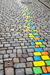 bunte Steine auf der Straße